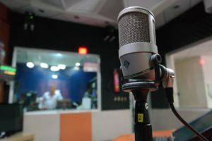 microphone, i am a student, radio-1562354.jpg